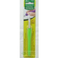 Clover Amour Crochet Hook, Easy Grip Elastomer Handle, 6.50mm #1053/K